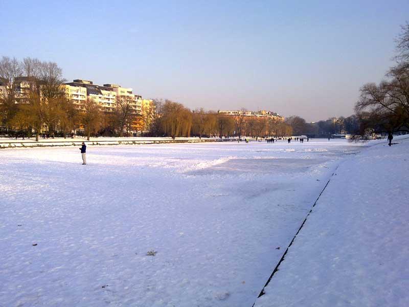 landwehr-kanal zugefroren